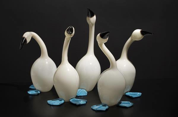 Erich Woll (American, born 1972); Mistakes Will Be Made (blue-footed boobies), 2014; Hot-sculpted glass; Collection of Museum of Glass, Tacoma, Washington, gift of the artist; Photo courtesy of the artist.